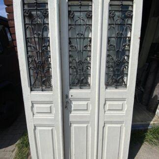 LEEN_Oude bouwmaterialen_Antieke gesepareerde voordeur met gietijzer A92873