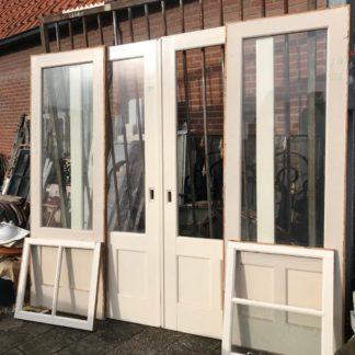 LEEN_Oude bouwmaterialen_Ensuite met kast deuren A93582