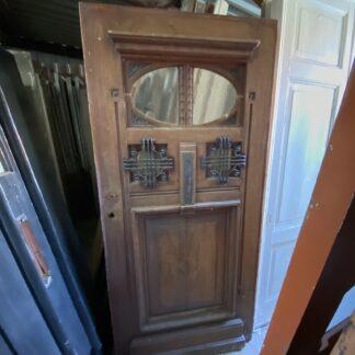 LEEN_Oude bouwmaterialen_Antieke voordeur met glas en gietijzer B73883
