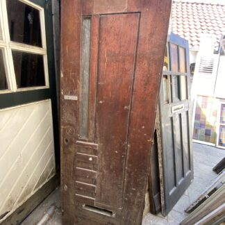 LEEN_Oude bouwmaterialen_Antieke voordeur met paneel C31119
