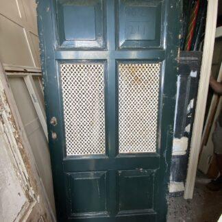 LEEN_Oude bouwmaterialen_Antieke voordeur met gietijzeren roosters C53384