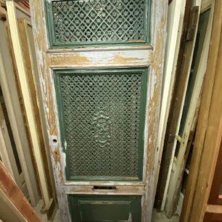 LEEN_Oude bouwmaterialen_Antieke voordeur met gietijzeren roosters D42405