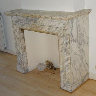 LEEN_Oude bouwmaterialen_Wit marmeren schouw E98154
