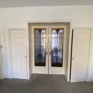 LEEN_Oude bouwmaterialen_Set ensuite deuren met glas in lood G18391