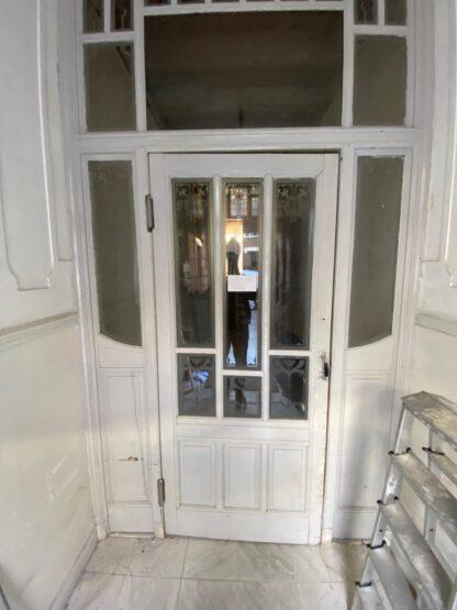 LEEN_Oude bouwmaterialen_Portaal met geëtst glas G58500