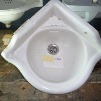 LEEN_Oude bouwmaterialen_Hoekfonteintje Toilet 600.20.101607