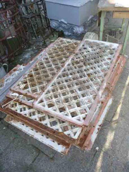 LEEN_Oude bouwmaterialen_Kelder roosters 800.100.102242