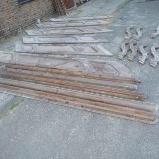 LEEN_Oude bouwmaterialen_Neo-Barok trappenhuis 54 spijlen met leuning 500.30.100004