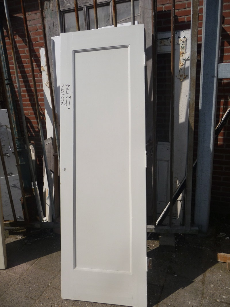 Paneel kast deur paneeldeuren deuren te koop bij leen oude bouwmaterialen oude deuren - Deur kast garagedeur ...