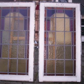 LEEN_Oude bouwmaterialen_Set staande glas in lood ramen 300.10.100456