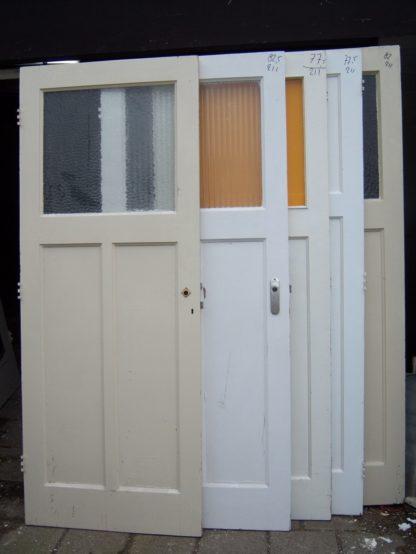 LEEN_Oude bouwmaterialen_Set van 5 oude deuren 100.90.100317