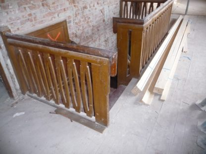 LEEN_Oude bouwmaterialen_Trappenhuis diverse leuningen en spijlen Art Deco 500.40.100700