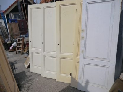 LEEN_Oude bouwmaterialen_Twee vaks paneeldeuren 100.10.102363