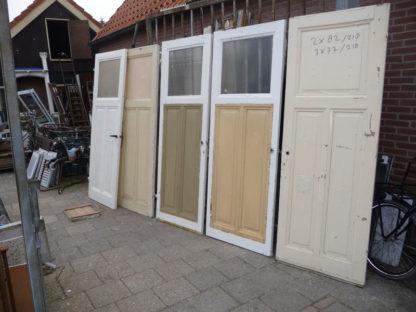 LEEN_Oude bouwmaterialen_set oude deuren hoogte 218 100.120.102102